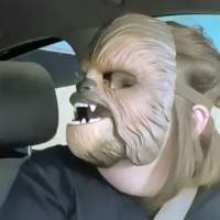 Star Wars : la maman au masque Chewbacca dans le carpool de James Corden