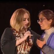 Adele rote au visage d'une fan en plein concert, la vidéo classe et distinguée mais drôle 😂