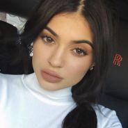 Kylie Jenner critiquée pour sa marque de cosmétiques, elle répond aux attaques 😡