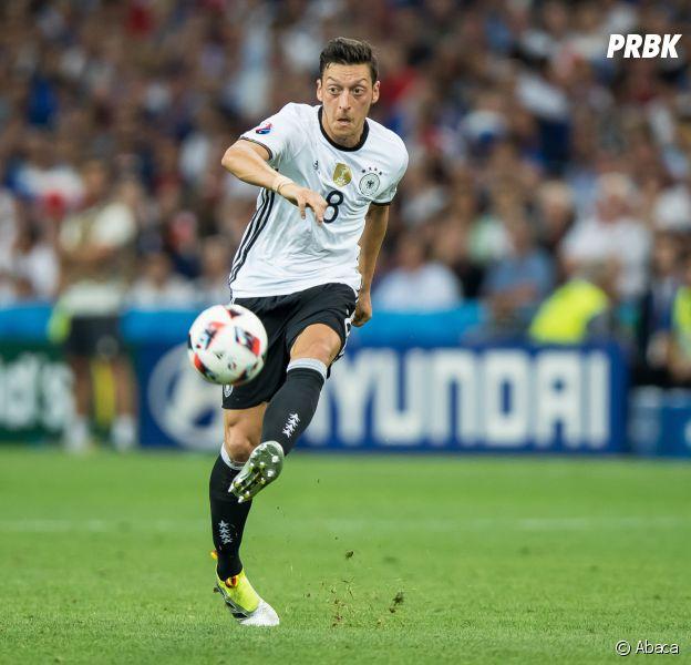 Mesut Özil : un message très fair-play sur Twitter et Facebook après la victoire de la France contre l'Allemagne en demi-finale de l'Euro 2016