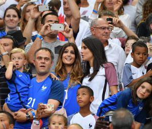 Marine Lloris et Ludivine Sagna complices à la finale de l'Euro 2016