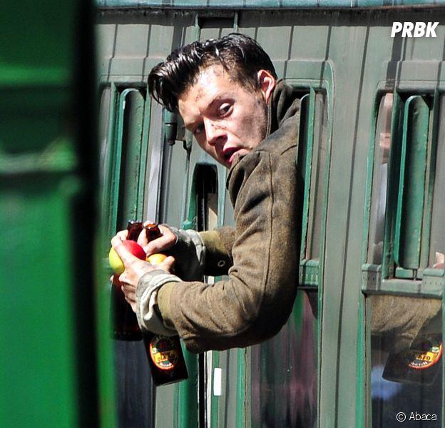 Harry Styles sur le tournage de Dunkirk, le nouveau film de Christopher Nolan, en Angleterre