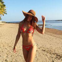 """Marine Lorphelin : sa réponse parfaite à un twittos qui affirme """"elle a refait ses seins en secret"""""""