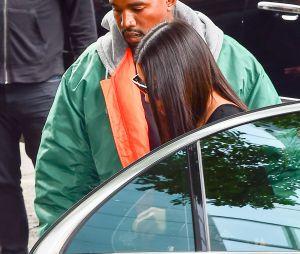 Kim Kardashian de retour à New-York, Kanye West soulagé qu'elle ne soit pas blessé