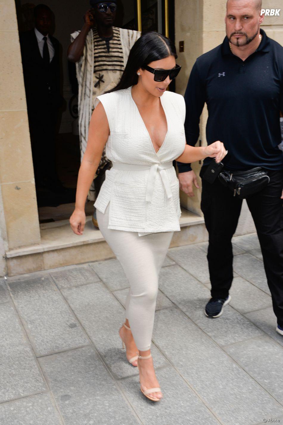 Kim Kardashian agressée: un déguisement pour Halloween fait polémiqu