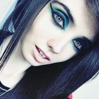Une youtubeuse anorexique bientôt bannie de YouTube ? Les internautes s'acharnent contre elle
