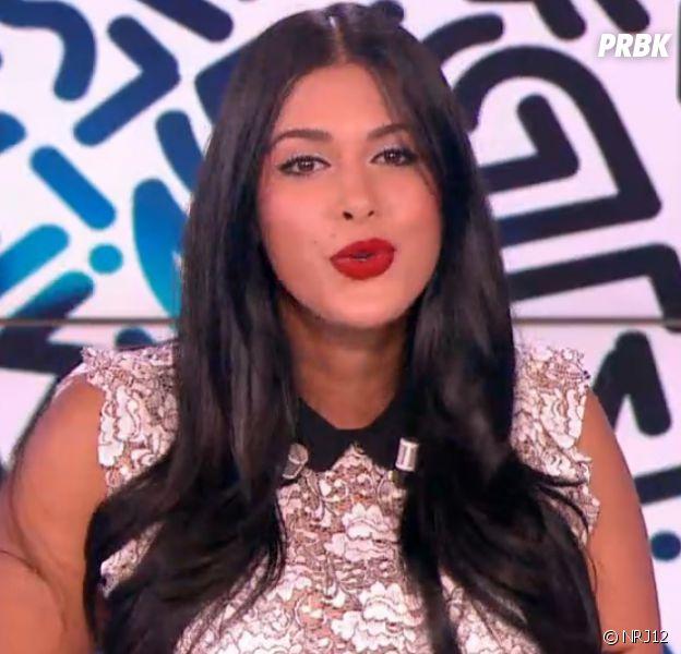 """Ayem Nour se confie sur son poids dans le Mad Mag : """"Je suis au régime, c'est dur !""""."""