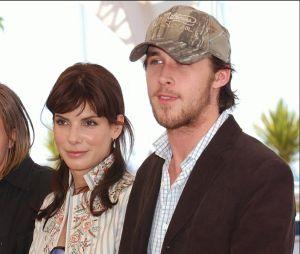Ryan Gosling avec Sandra Bullock et Michael Pitt à la présentation du film Calculs Meurtriers à Cannes en 2002