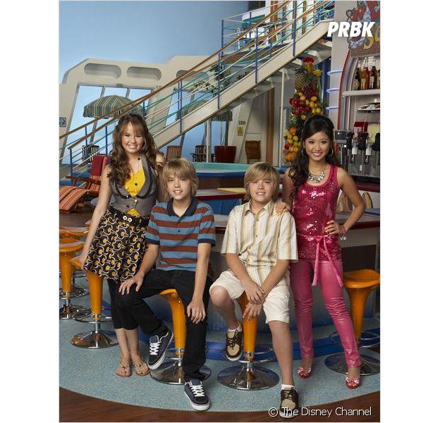 Cole Sprouse dans La Vie de croisière de Zack et Cody avec son jumeau Dylan, Debby Ryan et Brenda Song