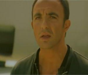 Nikos Aliagas reprend L'envie d'aimer dans une vidéo de 2007