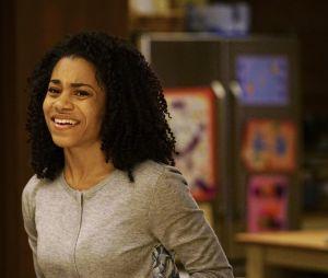 Grey's Anatomy saison 13, épisode 19 : Maggie (Kelly McCreary)sur une photo