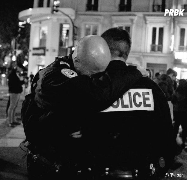 Cyril Hanouna, Nabilla, Delormeau : Les hommages des stars après l'attentat des Champs-Élysées
