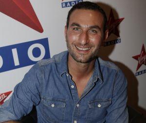 """Cyril Hanouna : Michaël Zazoun (Enora le soir) balance sur l'animateur et l'accuse d'être """"homophobe""""."""