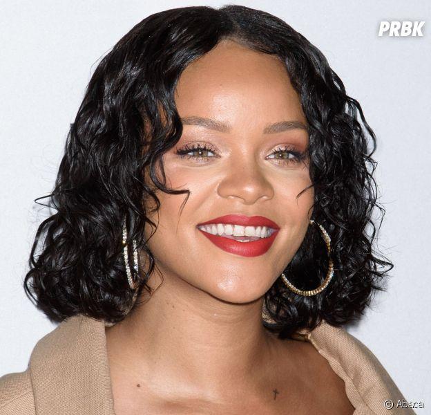 """Rihanna réagit au body-shaming : sa réponse parfaite aux internautes qui la traitent de """"grosse"""" !"""