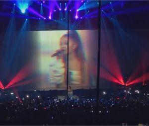 Ariana Grande chante One Last Time lors de son concert à Paris le 7 juin 2017