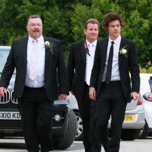 Harry Styles en deuil : son beau-père Robin est mort, ses fans se mobilisent pour un hommage