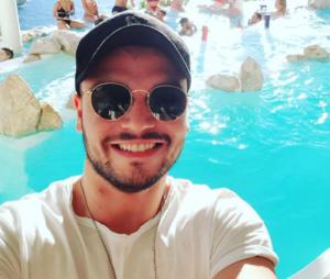 Noam Adams, le frère de Kev Adams, à Ibiza