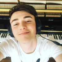 Greyson Chance : la star de YouTube fait son coming out avec un message touchant