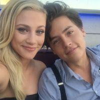 Cole Sprouse (Riverdale) et Lili Reinhart en couple, comme leurs personnages de Jughead et Betty ? ❤
