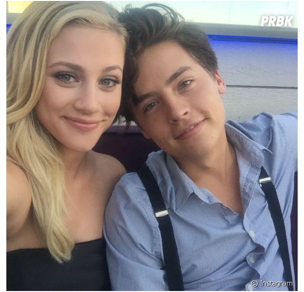 Cole Sprouse (Riverdale) et Lili Reinhart en couple ?