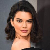 Kendall Jenner nue et avec une cigarette : prévoyante, elle anticipe les critiques
