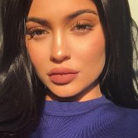 Kylie Jenner lance sa collection de tee-shirts street et (très) sexy 👙