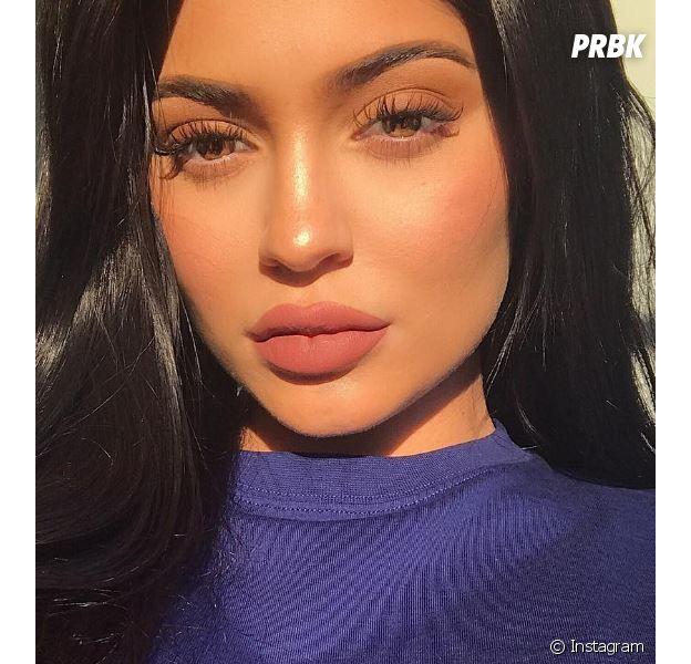 Kylie Jenner lance sa propre collection de tee-shirts street et sexy !