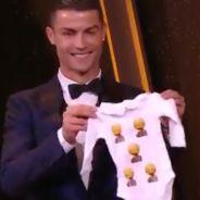 Cristiano Ronaldo élu Ballon d'Or 2017 : son cadeau trop chou pour sa fille Alana Martina
