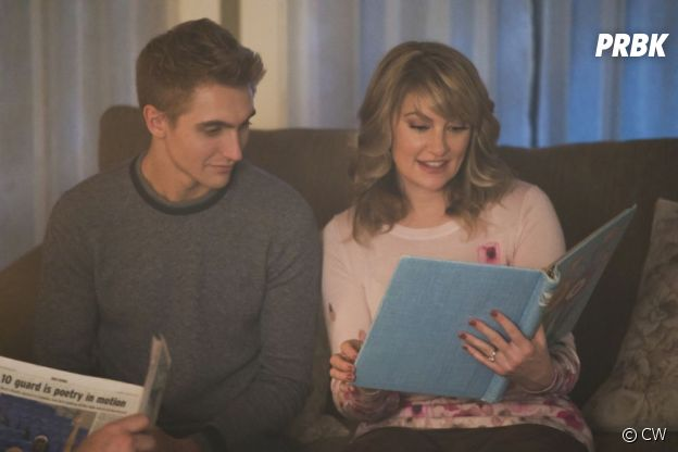 Riverdale saison 2 : Chic Cooper et Alice sur une photo de l'épisode 11