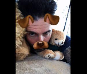 """Clip """"Wait"""" de Maroon 5 : Adam Levine s'éclate avec des filtres Snapchat"""