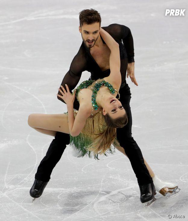 Jeux Olympiques 2018 à Pyeongchang : la patineuse française Gabriella Papadakis dévoile un sein sans le vouloir pendant sa performance avec Guillaume Cizeron !