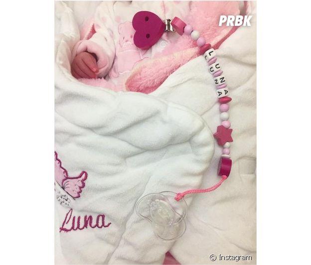 Julia Paredes dévoile la main de sa fille Luna