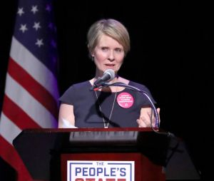 Cynthia Nixon (Sex and the City) se lance en politique pour devenir Gouverneur