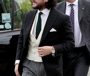 Kit Harington arrive à l'église pour son mariage avec Rose Leslie le 23 juin 2018 en Ecosse