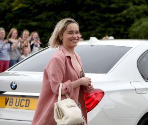 Emilia Clarke arrive au mariage de Kit Harington et Rose Leslie le 23 juin 2018 en Ecosse