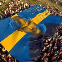 Mort d'Avicii : Dimitri Vegas & Like Mike, drapeau géant... Tomorrowland lui rend hommage