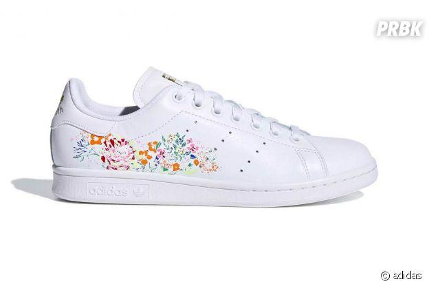 Les Stan Smith d'adidas revisitées en version florale.