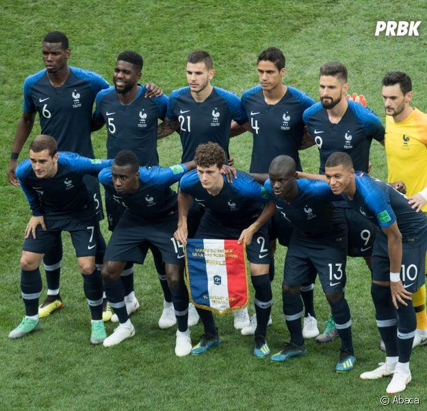 Grimaces d'Antoine Griezmann, musique dans les vestiaires... Le cérémonial avant match des Bleus.