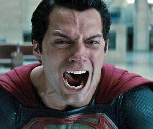 Superman : Henry Cavill abandonne le super-héros