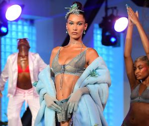 Rihanna : Bella Hadid a défilé pour Savage x Fenty à la Fashion Week de New York !