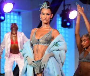 Rihanna : Bella Hadid a défilé pour Savage x Fenty à la Fashion Week de New York !