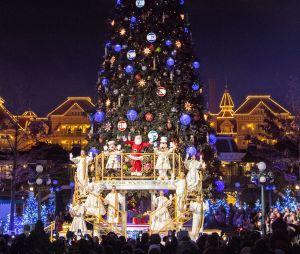 Disneyland Paris : l'illumination du sapin pour la saison de Noël 2018