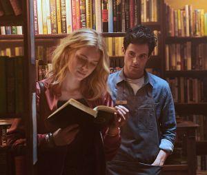 You : les 8 plus grosses différences entre la série et le livre
