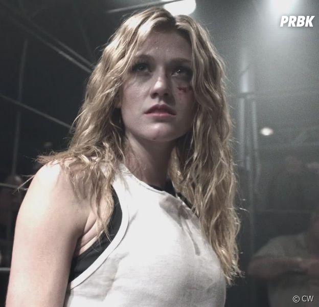 Arrow saison 7 : Mia est-elle la fille cachée de Roy ? Katherine McNamara se confie