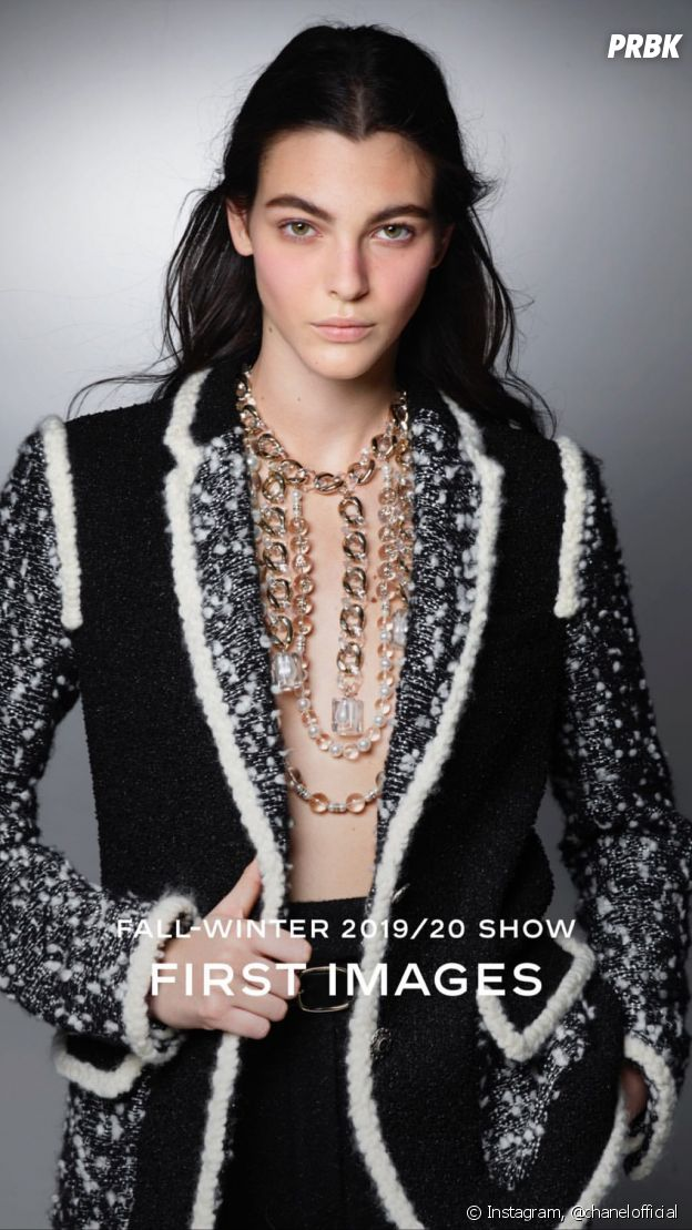 L'ultime collection dessinée par Karl Lagerfeld pour Chanel, dévoilée lors d'un défilé magique