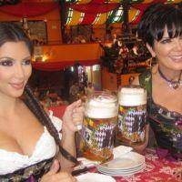 Kim Kardashian ... Morte de rire en apprenant qu'elle sortait avec Chris Brown