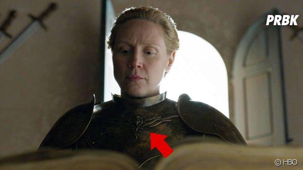 Game of Thrones : un corbeau sur l'armure de Brienne