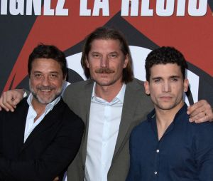 La Casa de papel saison 3 : Enrique Arce, Luka Peros et Jaime Lorente réunis sur le tapis rouge de l'AVP à Paris