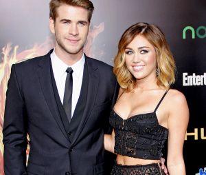 Miley Cyrus et Liam Hemsworth séparés mais bientôt de nouveau en couple ? La chanteuse ne serait pas pressée de signer les papiers du divorce car elle garderait espoir
