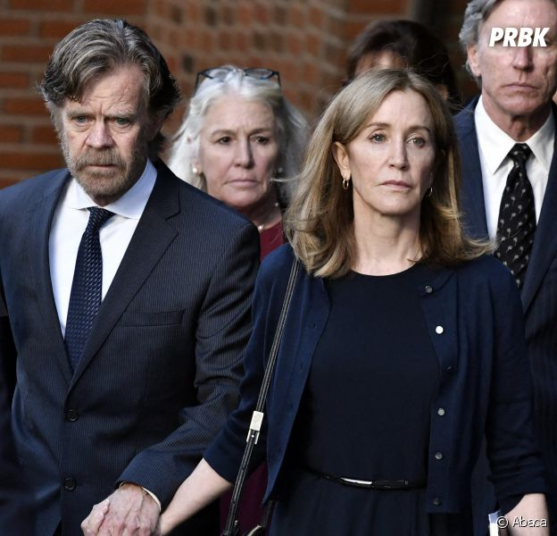 Felicity Huffman accompagnée de son mari William H. Macy au tribunal de Boston le 13 septembre 2019
